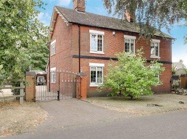The Oaks, Chapel Lane,